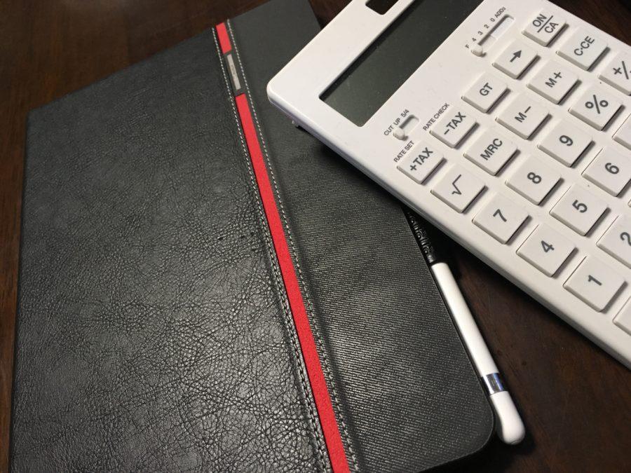 ipadと電卓のイメージ